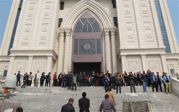 Chinese Officials Destroy Hundreds of Churches, Crosses